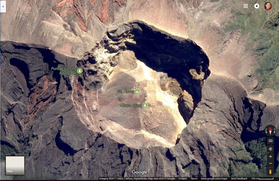 Bali tulivuorenpurkaus - Gunung Agungin kraatteri, Google Maps.