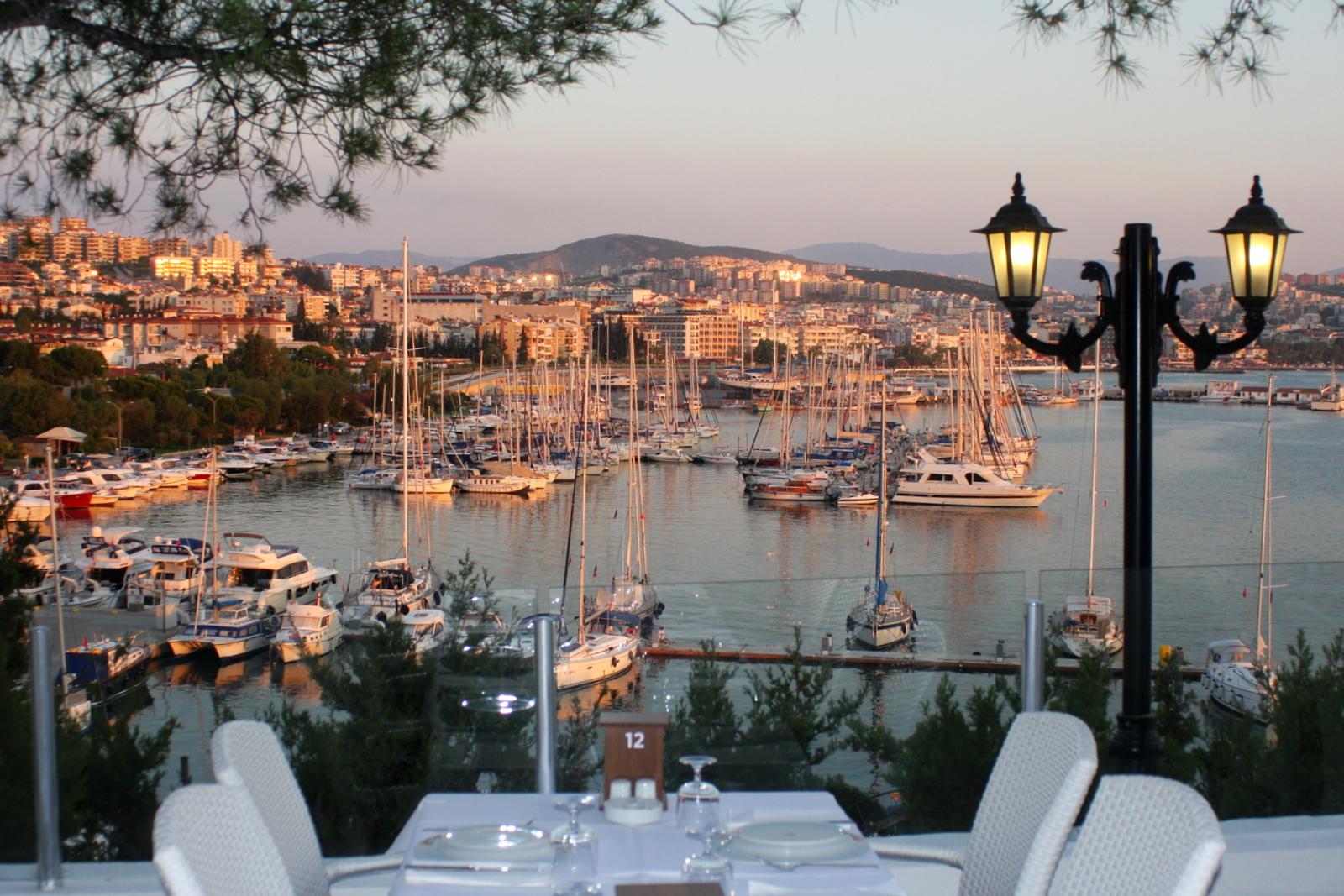 Kusadasi, Marina Deniz -ravintola.