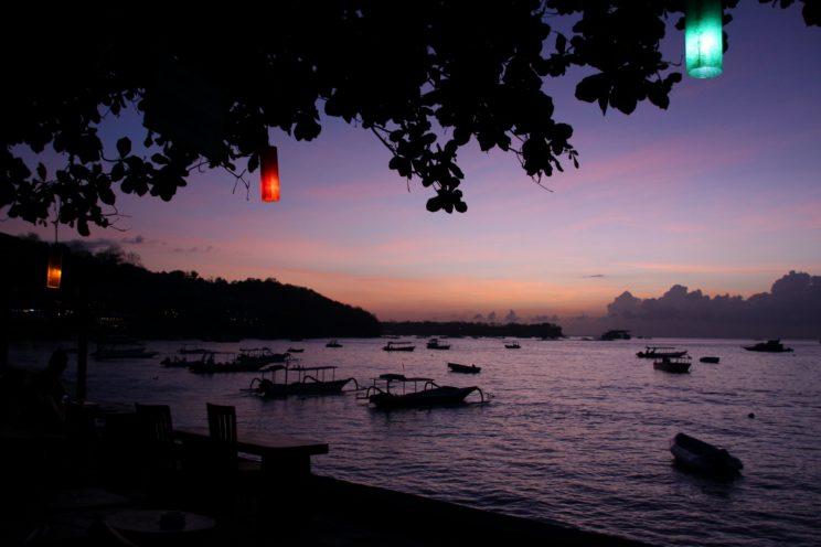 Kuvia Balilta. Nusa Lembongan, toinen auringonlasku.