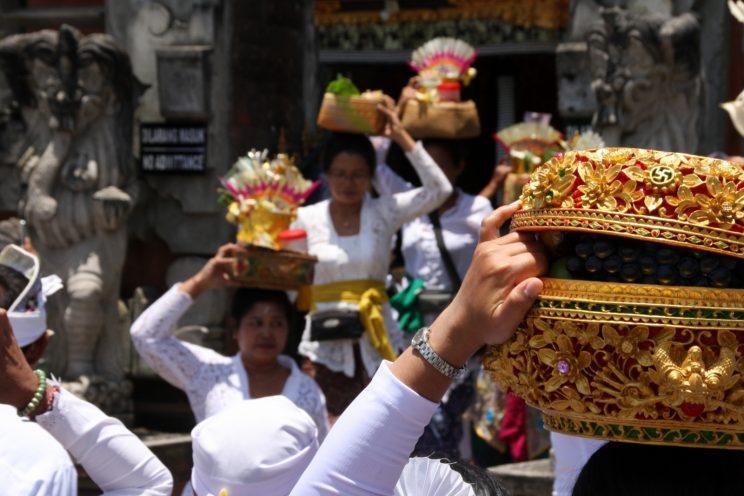 Kuvia Balilta. Seremonia Pura Ulun Danu Bratan (Beratan) -temppelillä.