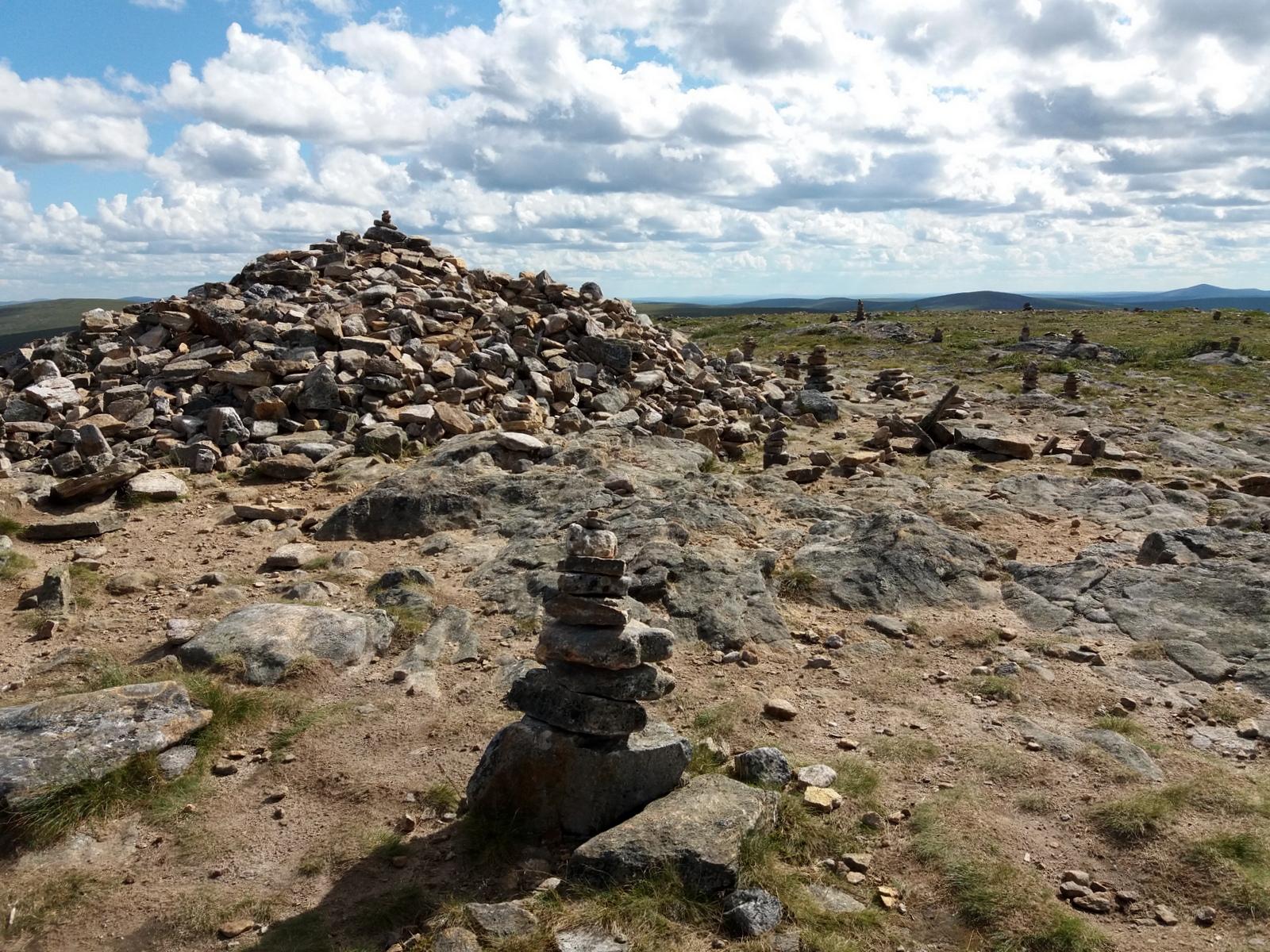 Saariselkä, Kiilopää. Kiilopään huipulla on isompi kivikasa!