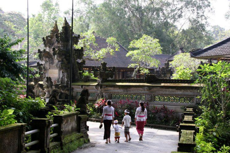 Kuvia Balilta. Ubud, Pura Gunung Lebah -temppeli.
