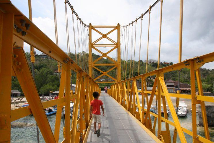 Nusa Lembongan, Bali. Yellow Bridge.