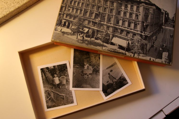 Vanhat valokuvat roskalavalta